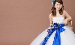 ウェディング ドレス 小柄 花嫁