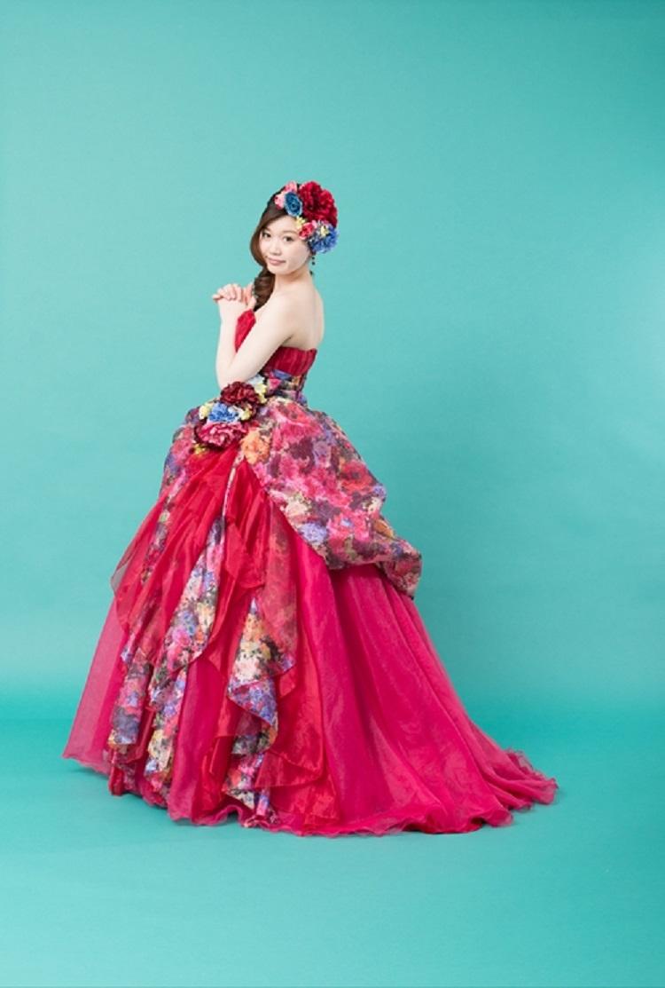 カラードレス 赤 花柄